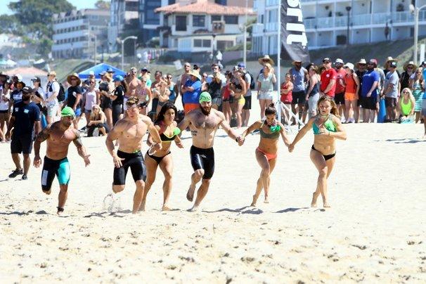 Jessa and Team At CrossFit Games Beach Run