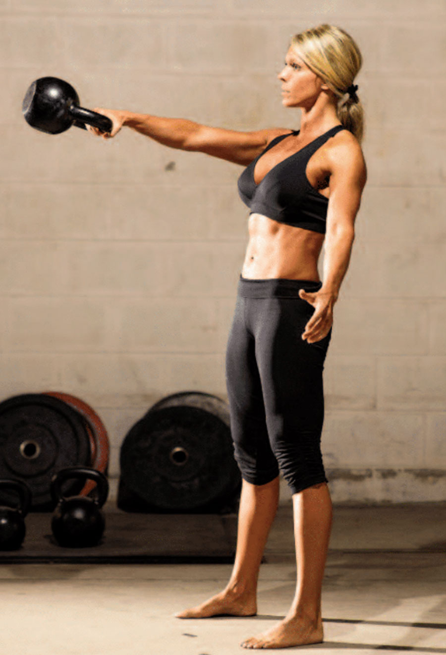 RKC KettlebellSwings BethAndrews900px