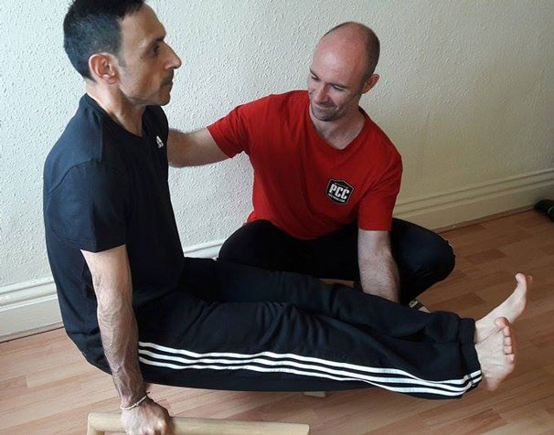 Stephen Llewellyn Coaching L-Sit